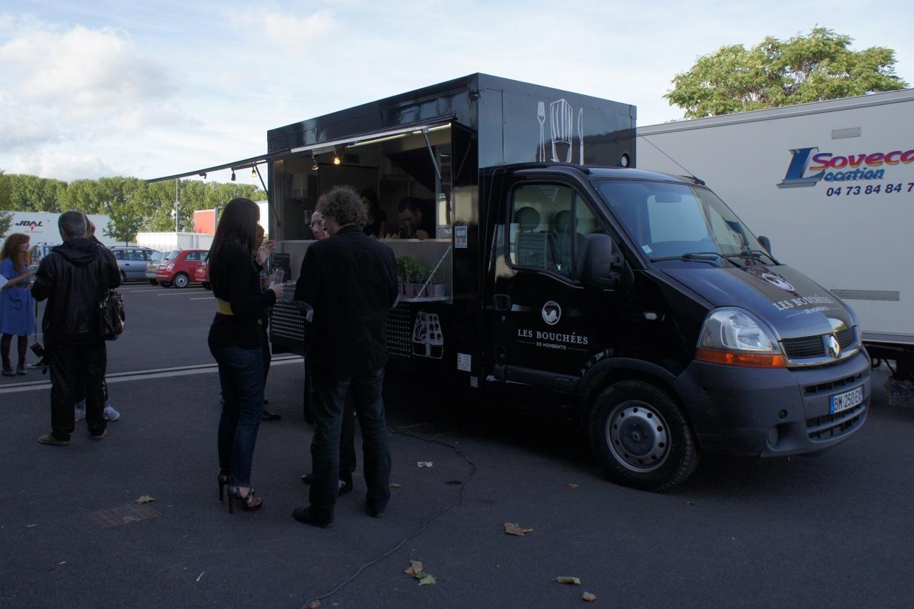 l 39 arriv e des food truck clermont ferrand loc illico. Black Bedroom Furniture Sets. Home Design Ideas