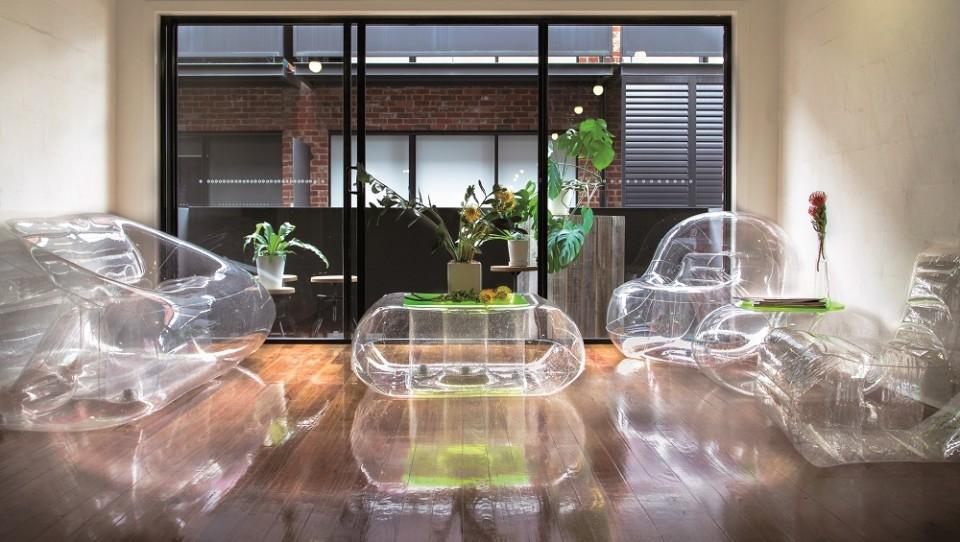 Location mobilier gonflable chic et design en auvergne for Location mobilier exterieur