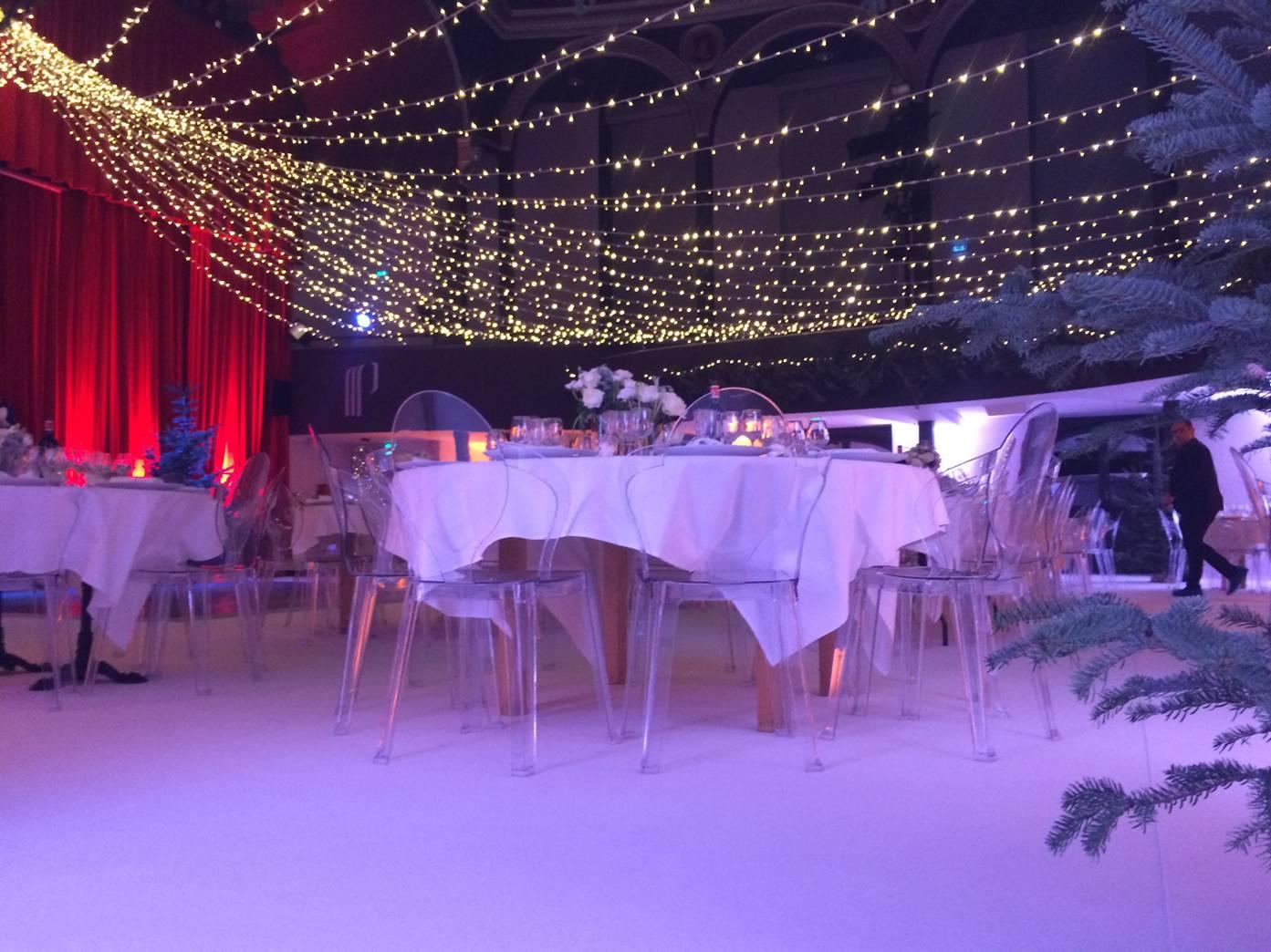 installation lumineuse et d coration pour un mariage loc illico location v nementielle. Black Bedroom Furniture Sets. Home Design Ideas